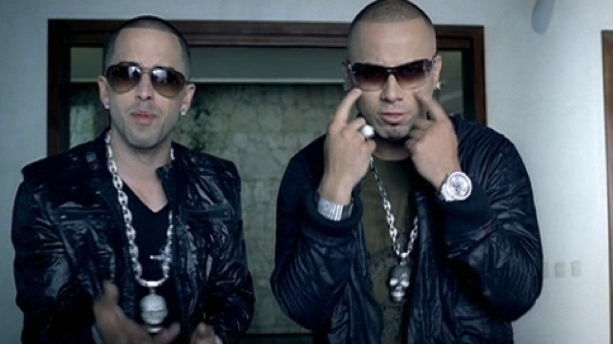 Movimiento sexy wisin y yandel