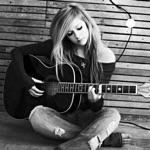 View artist Avril Lavigne