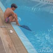 วาฬเกยตื้น - GUNGUN