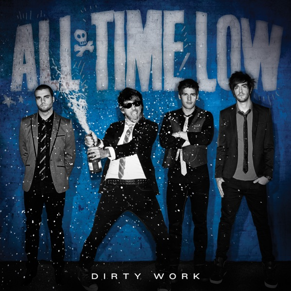 All Time Low mit Merry Christmas, Kiss My Ass