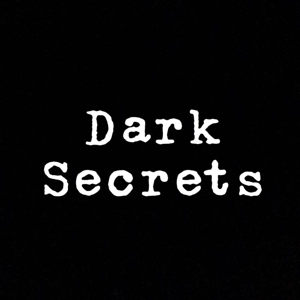 Dark Secrets - der Promipodcast