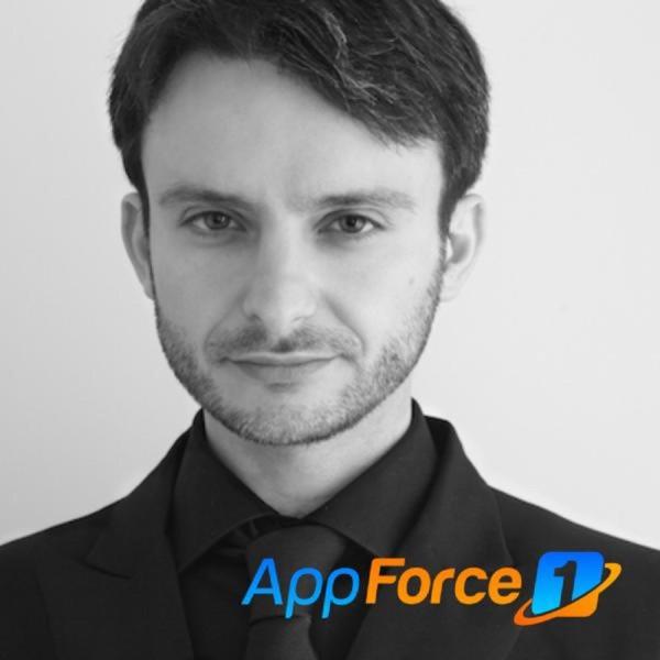 Matteo Manferdini, teaches advanced iOS concepts. thumbnail