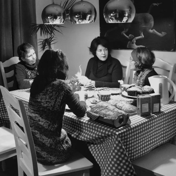 Mesa redonda en torno a Poesía y Feminismo
