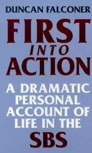 First Into Action La couverture du livre martien