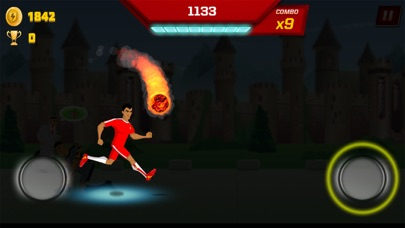 Supa Strikas Dash - Soccer Run screenshot four
