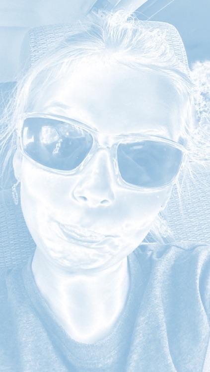 Blue and White Selfie Fan Cam screenshot-4