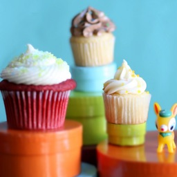 Cupcakes Wallpapers - Sweet Decorated Desserts