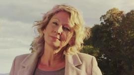 Manchmal wird es ganz still Claudia Jung German Pop Music Video 2019 New Songs Albums Artists Singles Videos Musicians Remixes Image