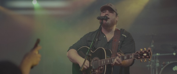 Luke Combs -  music video wiki, reviews